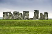 pic of stonehenge  - The historic monument of Stonehenge in England - JPG