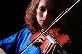 image of violin  - Playing the violin - JPG