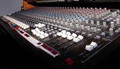 Console de áudio 1
