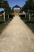 Avenue With Pavillon