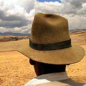 Agricultor con sombrero, Perú