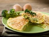 omelet with broccoli
