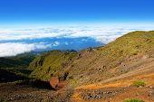 Mar de caldera de Taburiente de nubes en la Islas Canarias La Palma