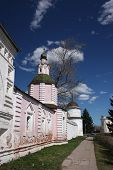 The walls and towers of the monastery Rizopolozhensky. Russia, Suzdal