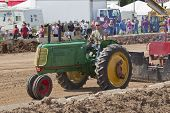Green Oliver Tractor Pulling