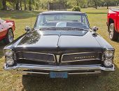 1963 Black Pontiac Bonneville Front View