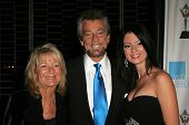 LOS ANGELES - NOVEMBER 1: Stephen J Cannell with family at the 2006 Women's Image Network Gala Honoring Senator Barbara Boxer at Wadsworth Theater on November 1, 2006 in Los Angeles, CA.
