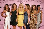LOS ANGELES - NOVEMBER 16: Alessandra Ambrosio, Adriana Lima, Karolina Kurkova, Gisele Bundchen and Izabel Goulart arriving at The Victoria's Secret Fashion Show at Kodak Theatre November 16, 2006.