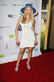 SANTA MONICA - JULY 23: Lorielle New at the Sexy Summer Soire Party hosted by H.U.G.E benefiting Hea