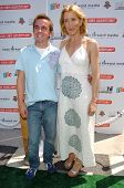 CULVER CITY - JULY 22: Frankie Muniz and Felicity Huffman at the