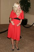 BEVERLY HILLS - NOVEMBER 03: Tori Spelling at the