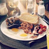 full english breakfast with instagram filter and entire image in focus