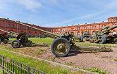Soviet 76-mm Divisional Gun M1936 (f-22)