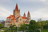 Kirche Heiliger Franz von Assisi am Mexikoplatz, Wien, Österreich