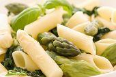 Rigatoni with asparagus