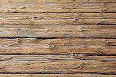 Vigas de madera desvencijadas
