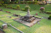 Wat Chang Lom In Mini Siam Park