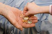 ganancias de la mujer y de la mano de granchild