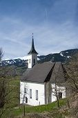 picture of chapels  - Chapel in front of the castle Kaprun at the Pinzgau Austria - JPG