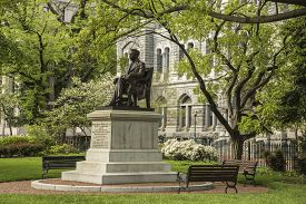 pic of hunter  - The Hunter Holmes McGuire Monument located in Historic