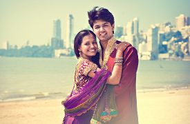 picture of indian  - Indian couple in traditional wear - JPG