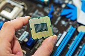 CPU in der hand
