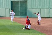 Boston - 30 Mai: Starting Pitcher Jon Lester und Catcher Jarrod Saltalamacchia Aufwärmen vor Memori