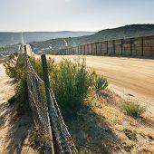 U.S. / México cerca de fronteira