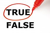 True oder False mit roten marker