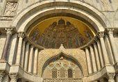 Detail Basilica