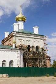 image of beheaded  - Restoration of the church beheaded during the Soviet period - JPG