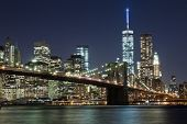 The New York City Skyline W Brooklyn Bridge