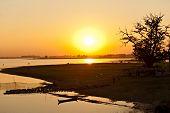 Sonnenuntergang von Amarapura Brücke, Myanmar.