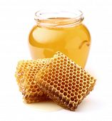 Acacia honey with honeycombs