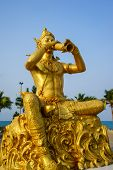 Phra Aphai Mani king Golden Statue