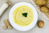 picture of italian parsley  - Italian potato and leek soup with olive oil parsley and croutons - JPG