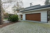 Modern Detached House With Garage