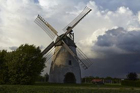 picture of windmills  - The windmill Hille  - JPG