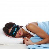sueño de mujer de belleza fuera de línea en la almohada