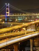 autopista y puente