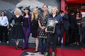 Los Angeles aug 11: gehen Sie gehen an der Zeremonie für die Gogo 's Stern auf dem Hollywood Walk of Fa