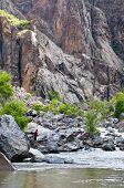 Rio de Gunnison pesca no Black Canyon