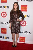 LOS ANGELES - OCT 18:  Mayim Bialik at the 2013 GLSEN Awards at Beverly Hills Hotel on October 18, 2
