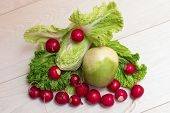 pic of radish  - Set for salad from a radish radish and lettuce - JPG