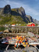 picture of reining  - Fishing village of Reine in the South Island - JPG