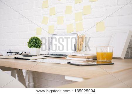 Creative Designer Desktop Side