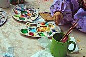 Niños pintura cerámica