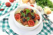 Spaghetti Alla Puttanesca With Tomatoes