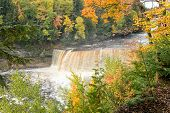 Tahquamenon Falls In Autumn - Michigan - Upper Peninsula