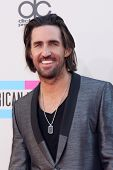 LOS ANGELES - NOV 24:  Jake Owen at the 2013 American Music Awards Arrivals at Nokia Theater on November 24, 2013 in Los Angeles, CA